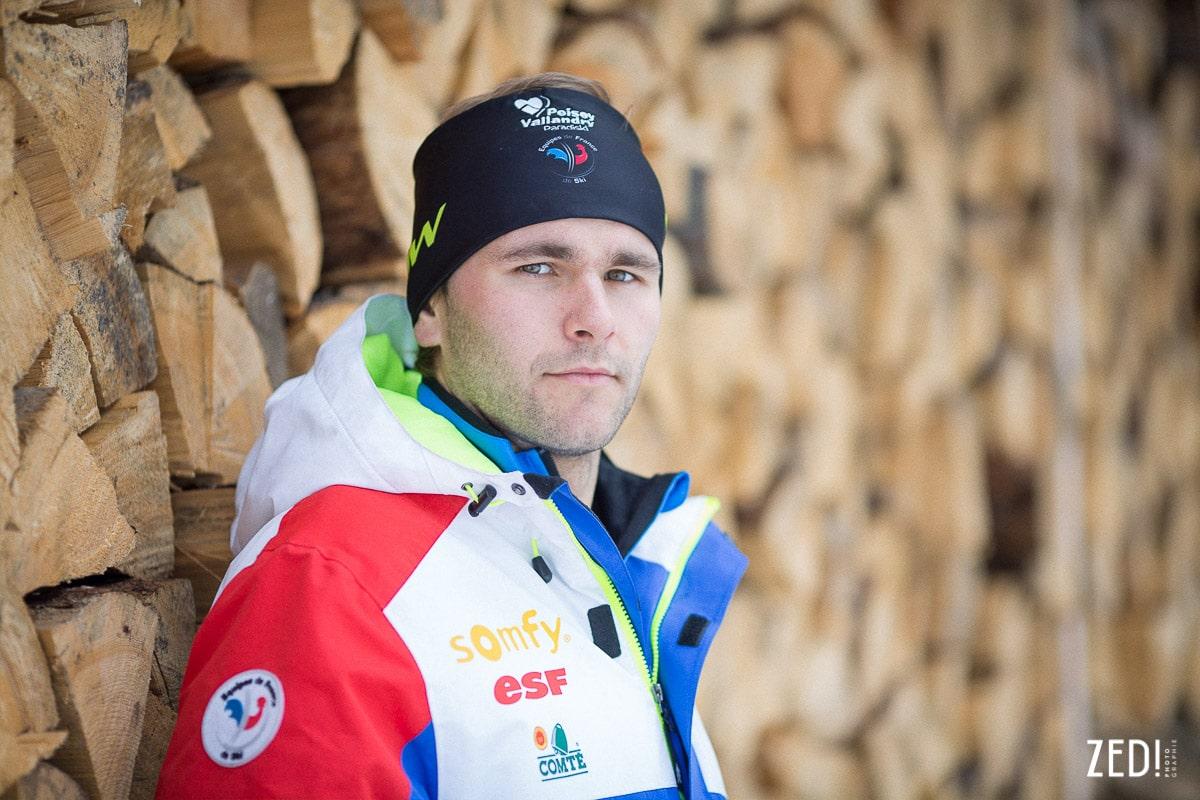 Un portrait d'un sportif et skieur de haut niveau français lors d'un reportage photo dans les Alpes en Savoie à Peisey Vallandry Paradiski.