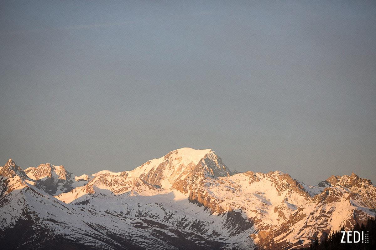 Le Mont Blanc vu de Peisey vallandry pendant un reportage photo dans les Alpes française en Rhône Alpes et en Savoie.